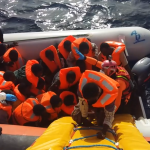 Salvati altri 2400 migranti dalla Guardia Costiera. Sale a 14 il numero dei morti