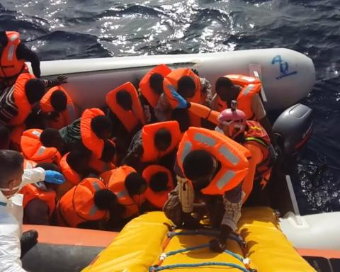 Operazioni salvataggio Guardia Costiera (fotogramma)