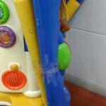 Il sindaco di Catania ha regalato giocattoli rotti ai bambini malati. Ma il Comune smentisce