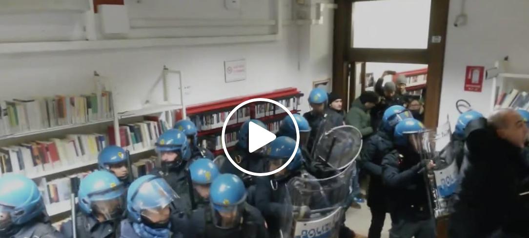 scontri polizia studenti