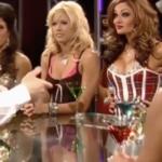 Sexy star WWE giocano a strip poker. Il video torna popolare dopo anni