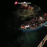 Salvati 630 migranti dalla Guardia Costiera. Il video