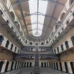 Boss dei Casalesi evaso dal carcere, arrestati agenti polizia penitenziaria