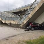 Cavalcavia crolla su auto dei carabinieri