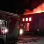 Casella, palazzina a fuoco: padre, madre e figlio si gettano dalla finestra