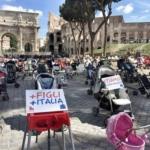 #iostoconipasseggini: 1000 passeggini vuoti al Colosseo