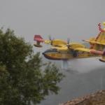 Incendi in Sicilia, fiamme minacciano case. Evacuate alcune abitazioni