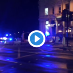 Panico a Londra, auto contro la folla a London Bridge | VIDEO