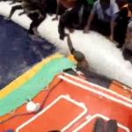Migranti, soccorsi in 800. Le drammatiche immagini | VIDEO