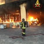 Incendio all'interno dell'autorimessa AMT | VIDEO